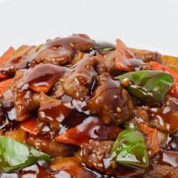 301 Говядина с картофелем в соевом соусе